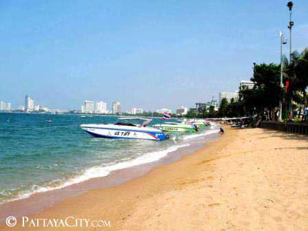 Speed Boats on Aqua Coast. - Beach Road, Pattaya City.jpg