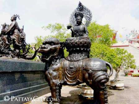 pattaya_city_chinesetemple (40).jpg